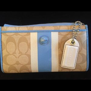 COACH Ladies Billfold Blue Stripe Collection